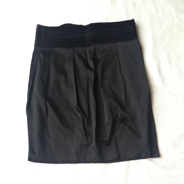 Like New! Corporate Pencil Skirt Size 6