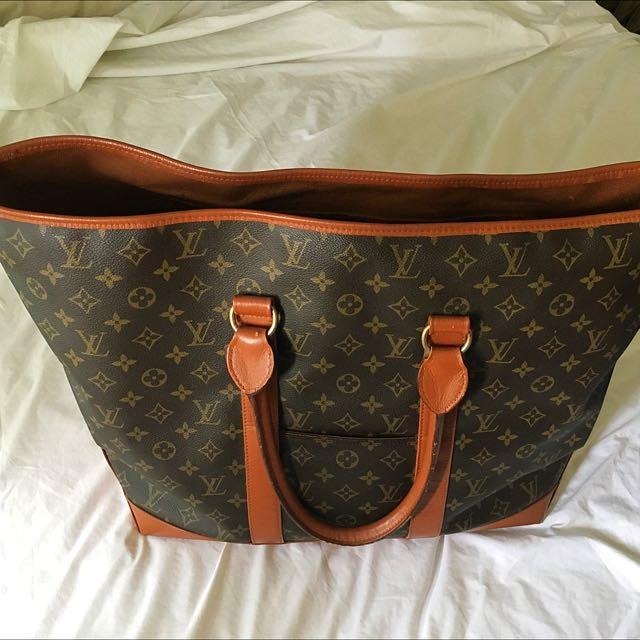 Luis Vuitton Extra Large Auth Bag