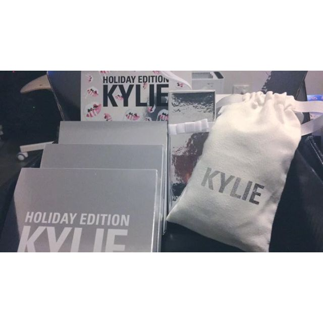 Merry Lip Kit - Kylie Cosmetics