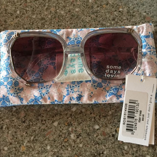 New With Tags Some Days Lovin Ladies Sunglasses