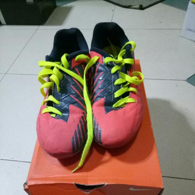info pour 05284 308e9 Nike T90 Kids Football Boots, Sports, Sports Apparel on ...