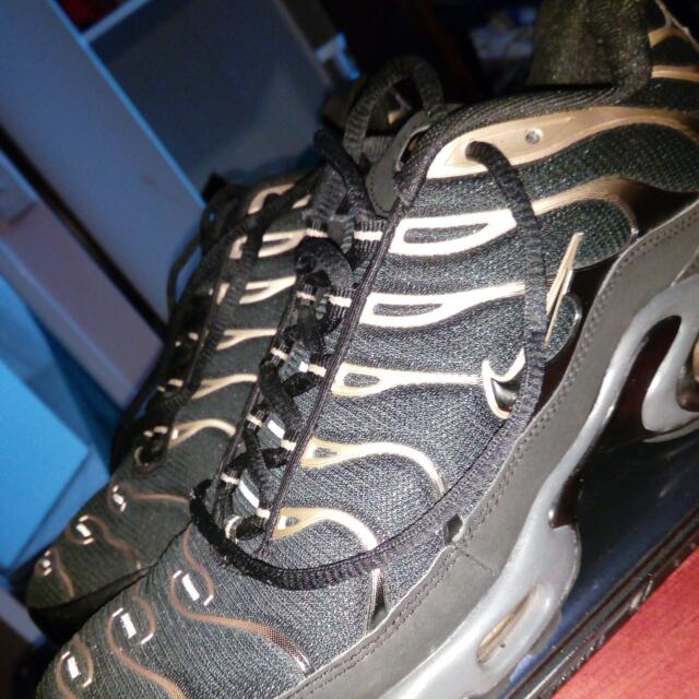 NIKE TNS Black And Gold