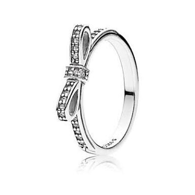 Pandora Sparkling Silver Bow Ring