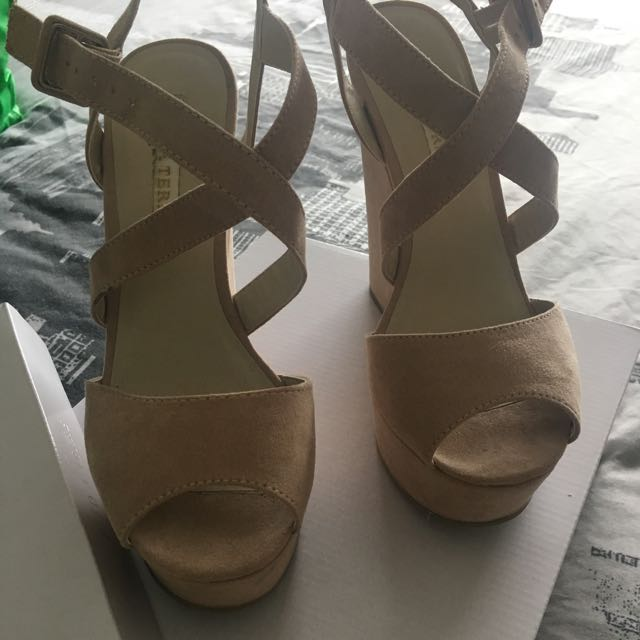 Size 8 Pied A Terre High Wedge Shoes