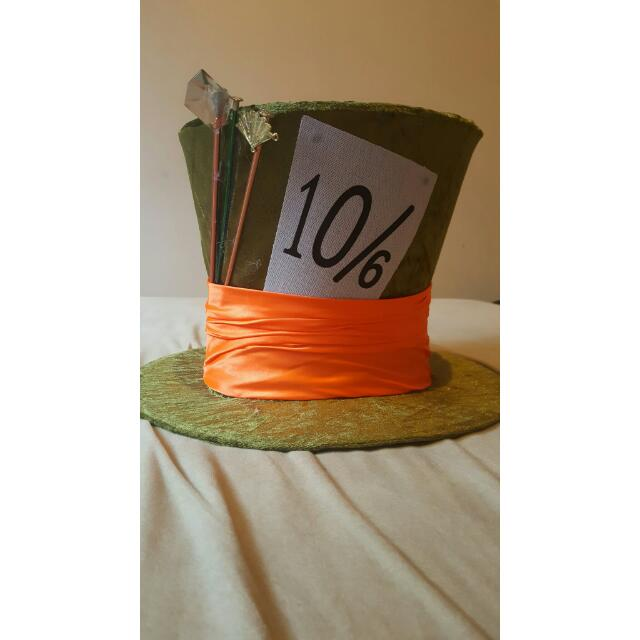 THE MAD HATTER TOP HAT W/ WIG