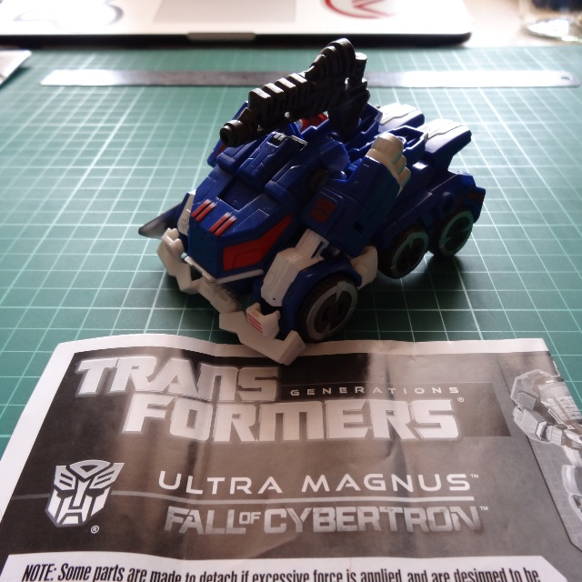 Transformers Generations Fall of Cybertron Ultra Magnus Complete Loose