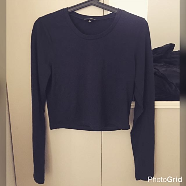 Wilfred Free Aritzia Long Sleeve Crop Top