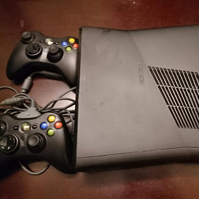Xbox360 主機 (+500元 送戰爭機器)