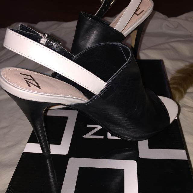 Zu Black And Grey Leather Mules