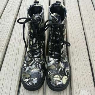Size 8 Pixie Boot