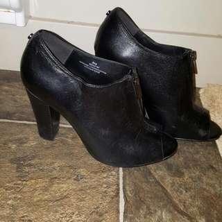 Jeanne Beker Block Heel Shoes