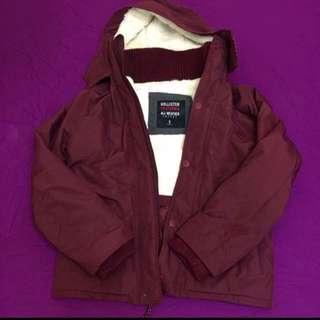 海鷗酒紅色外套