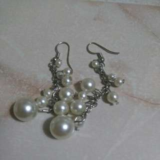 Dangly Pearl Earrings