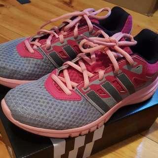 Adidas Shoes US7