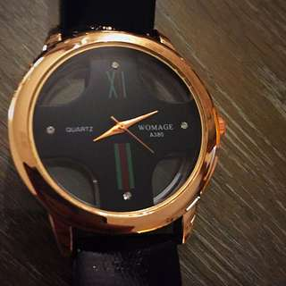 Fashionable Black Watch With Gold Edge