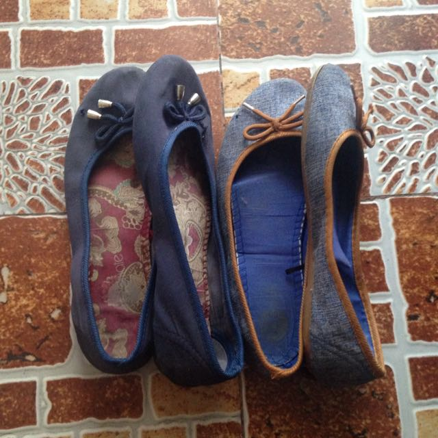 size 9 - 2 Flats For 100