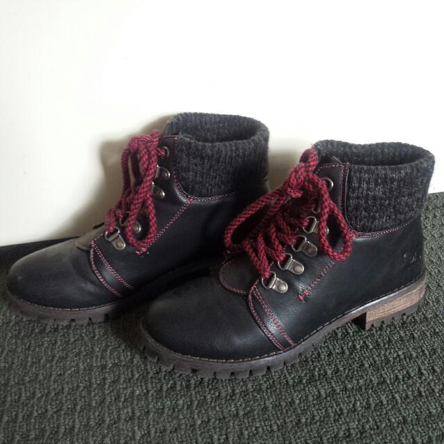 Black Ankle Boots With Red Laces