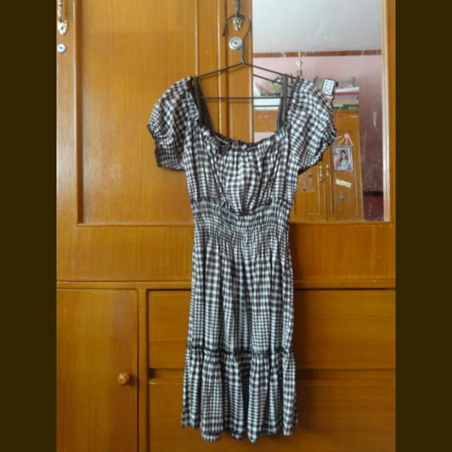 Off-shoulder Brown Dress