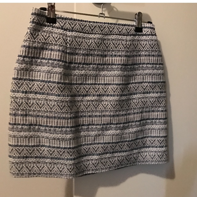 FOREVER NEW skirt size 8 blue/cream/silver aztec design