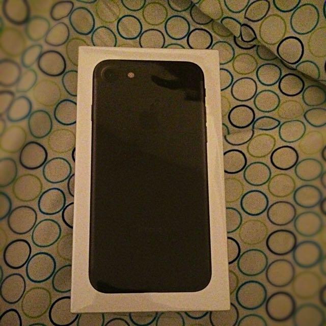 iPhone 7 Mat Black Sealed