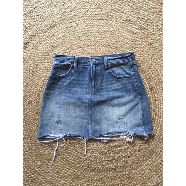 Levi's Denim Skirt Size 28 (10)