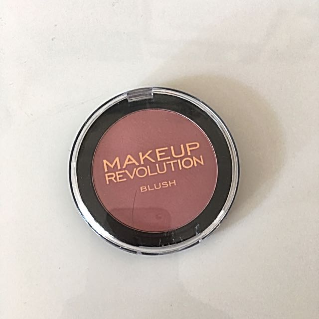 Make Up Revolution - Blush