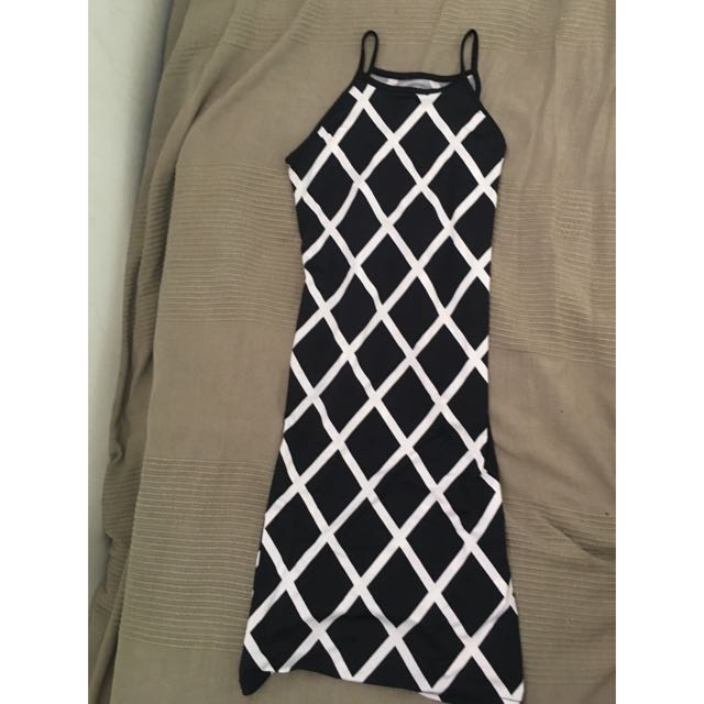 Petite Criss Cross Patterned Dress