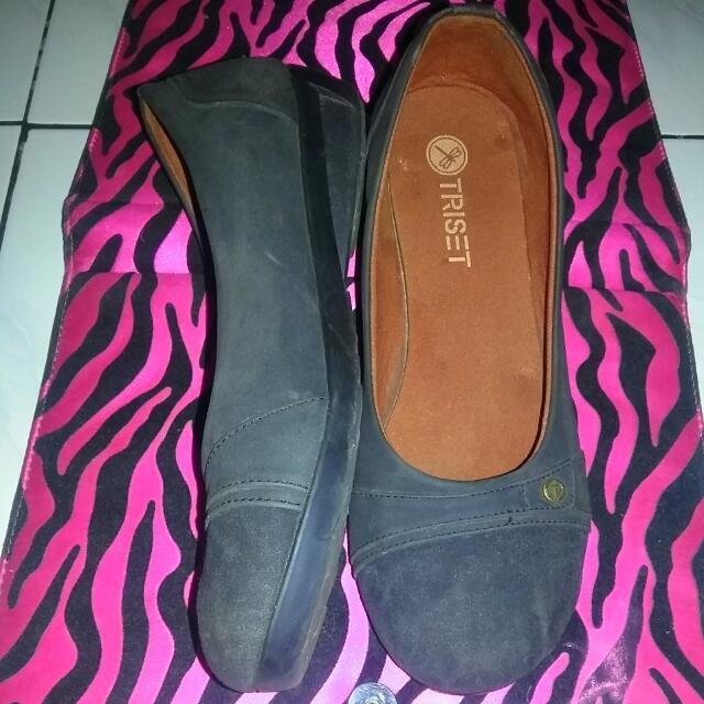 Triset Black Shoes