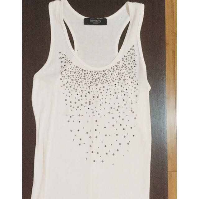 XS-S Studded White Tank Top from Jewels