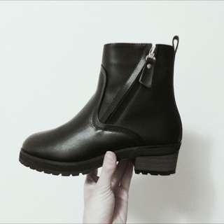 🚚 全新秋冬歐美真皮內裡加絨粗跟靴子短靴馬丁靴