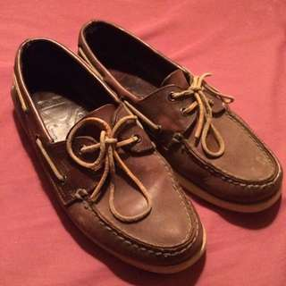 dark brown sperries