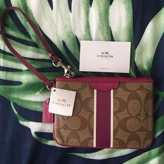 📍ON HOLD📍Coach Legacy Signature Small Wristlet