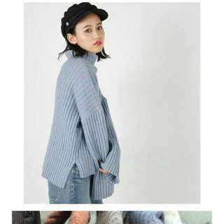 日貨  MOUSSY 粉藍色系直條壓紋毛衣