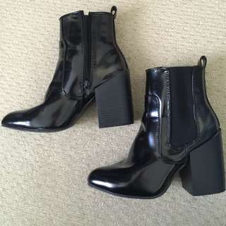Block Heel Pointed High Ankle Boots