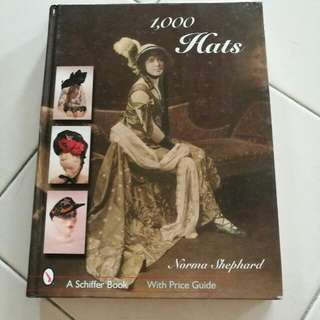1000 Hats Books(New)