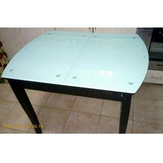 Temperd Glass Expandable table