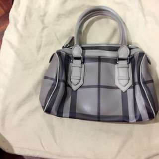 Auth Burberry Small Boston Bag
