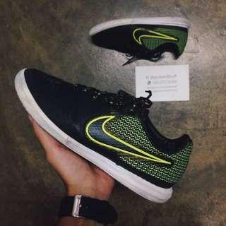 7.5UK Nike Magista X Finale