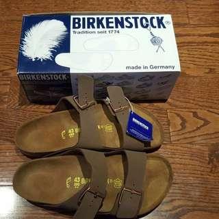 NWT – BIRKENSTOCK Arizona Two-Strap Sandals – Brown Men 43/ 10