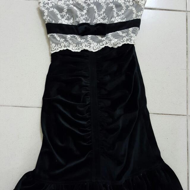 黑絲絨造型魚尾小禮服