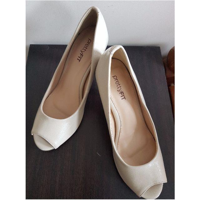 Cream Court Heels size 35