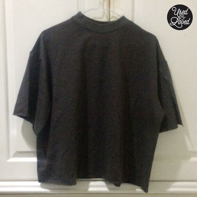 Dark Grey Cropped Top with Slit Hands Accent by Gaudi