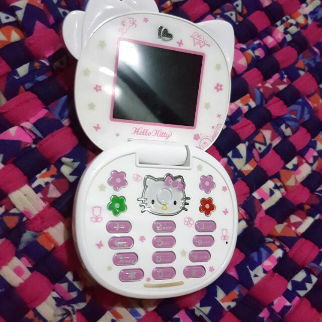 hello kitty flip phone