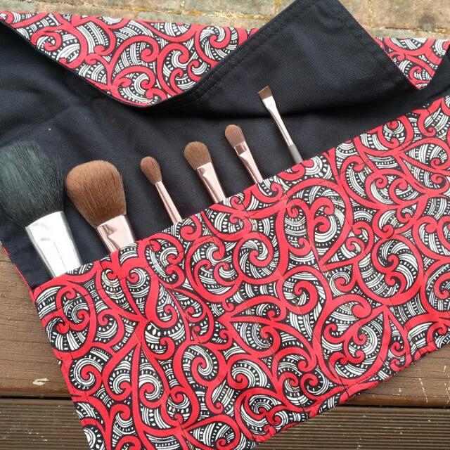 Maori Design - Makeup brush roll