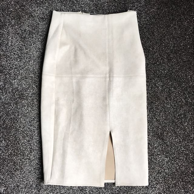 Mid-skirt suede material