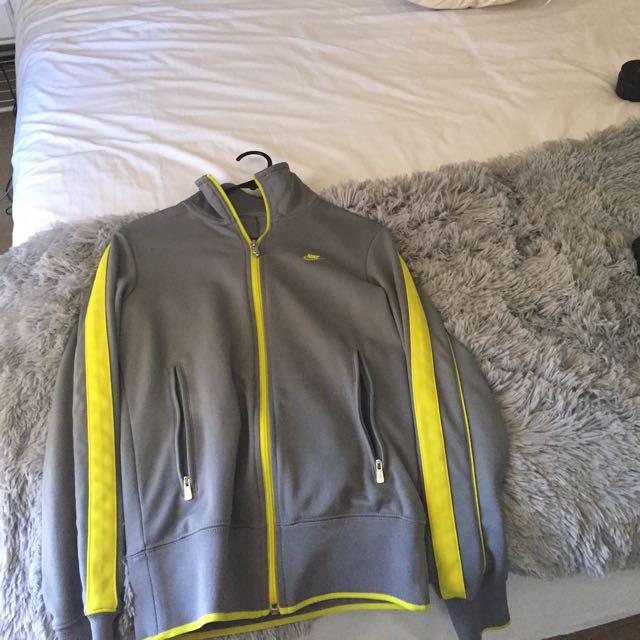 Nike Jacket (active/exercise Wear)