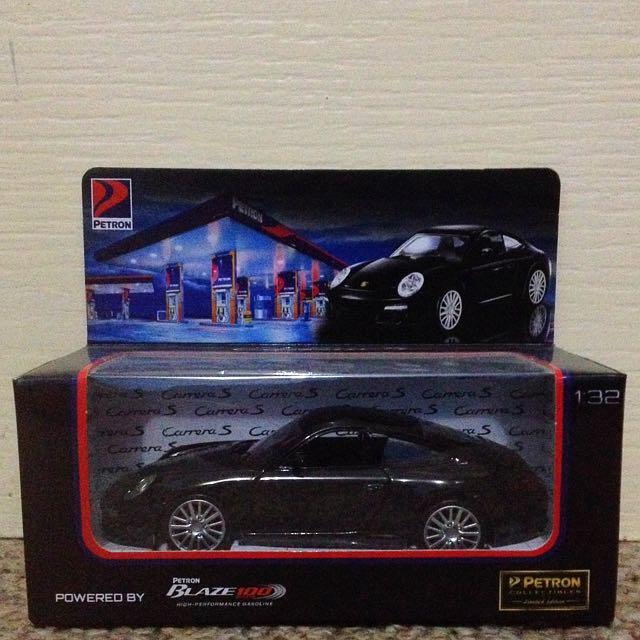 Porsche Carrera S (Petron Collectible)