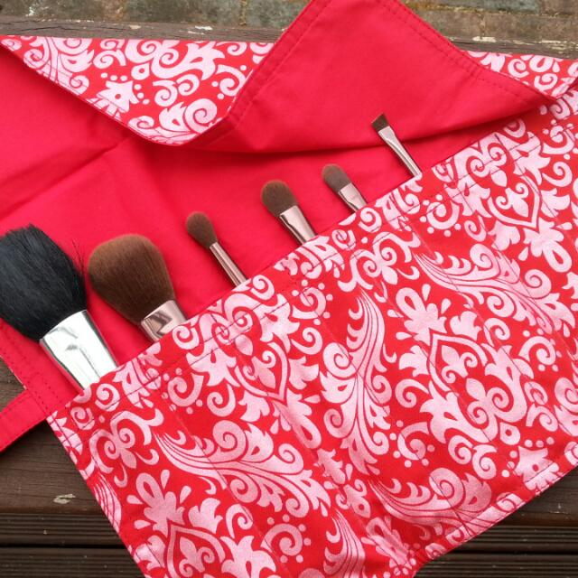 Red Damask design - Makeup brush roll