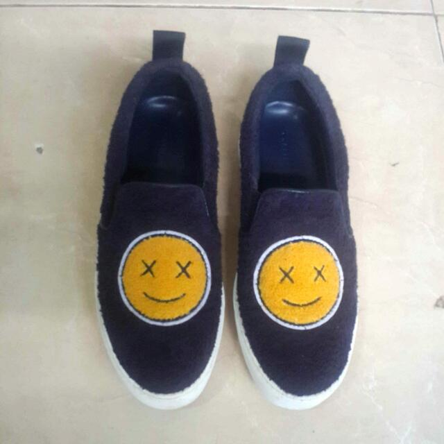 Sepatu Charles & Keith No 35