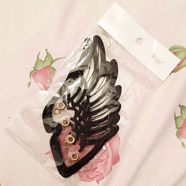 shoe lace wings